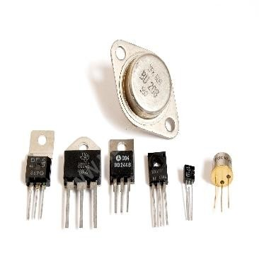 2 SD 1555 Transistor